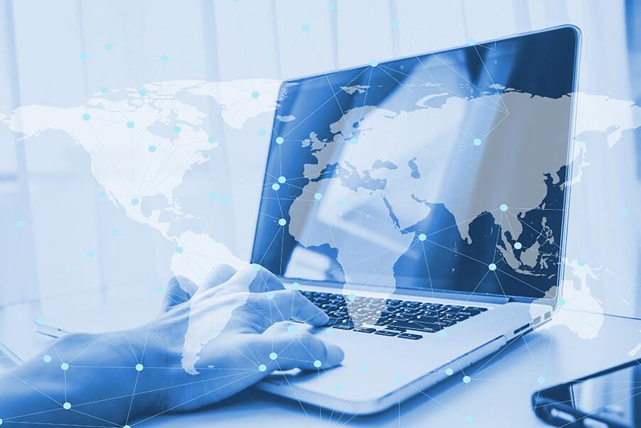Dupla exposição usando laptop computador fazendo negócios on-line rede